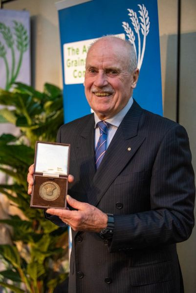Professor Timothy Reeves with the William Farrer Memorial Medal.